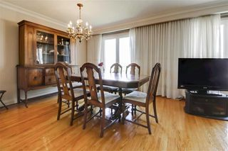 Photo 4: 47 Deevale Road in Toronto: Downsview-Roding-CFB House (Bungalow) for sale (Toronto W05)  : MLS®# W4458656