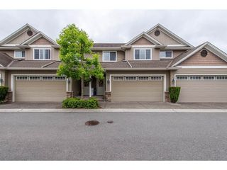 "Photo 1: 17 32849 EGGLESTONE Avenue in Mission: Mission BC Townhouse for sale in ""Cedar Valley Townhomes"" : MLS®# R2373448"
