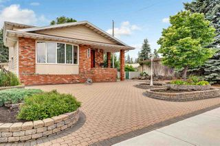 Photo 2: 8537 73 Avenue in Edmonton: Zone 17 House for sale : MLS®# E4163743