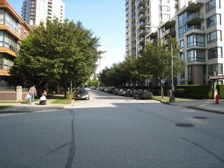 """Photo 6: 612 3588 CROWLEY Drive in Vancouver: Collingwood VE Condo for sale in """"NEXUS"""" (Vancouver East)  : MLS®# R2386677"""