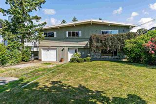 Main Photo: 17833 59A Avenue in Surrey: Cloverdale BC House for sale (Cloverdale)  : MLS®# R2391044