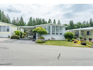 """Photo 1: 53 2315 198 Street in Langley: Brookswood Langley Manufactured Home for sale in """"Deer Creek Estates"""" : MLS®# R2393339"""
