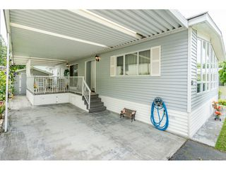 """Photo 2: 53 2315 198 Street in Langley: Brookswood Langley Manufactured Home for sale in """"Deer Creek Estates"""" : MLS®# R2393339"""