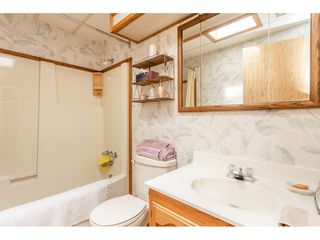 """Photo 17: 53 2315 198 Street in Langley: Brookswood Langley Manufactured Home for sale in """"Deer Creek Estates"""" : MLS®# R2393339"""