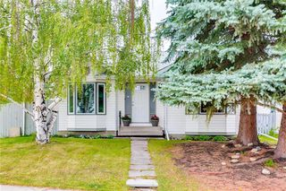 Photo 1: 127 MILLSIDE Drive SW in Calgary: Millrise Detached for sale : MLS®# C4264789