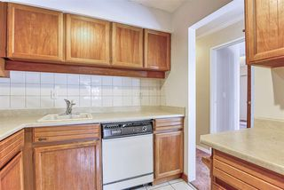 """Photo 10: 206 1544 FIR Street: White Rock Condo for sale in """"JUNIPER ARMS"""" (South Surrey White Rock)  : MLS®# R2414463"""
