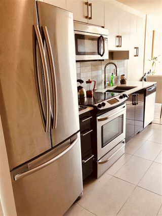 "Photo 3: 207 2689 KINGSWAY in Vancouver: Collingwood VE Condo for sale in ""Skyway Tower"" (Vancouver East)  : MLS®# R2418159"
