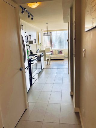 "Photo 2: 207 2689 KINGSWAY in Vancouver: Collingwood VE Condo for sale in ""Skyway Tower"" (Vancouver East)  : MLS®# R2418159"