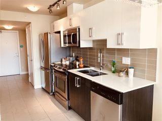 "Photo 4: 207 2689 KINGSWAY in Vancouver: Collingwood VE Condo for sale in ""Skyway Tower"" (Vancouver East)  : MLS®# R2418159"