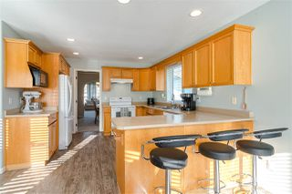 "Photo 3: 27080 25 Avenue in Langley: Aldergrove Langley House for sale in ""ALDERGROVE"" : MLS®# R2418547"