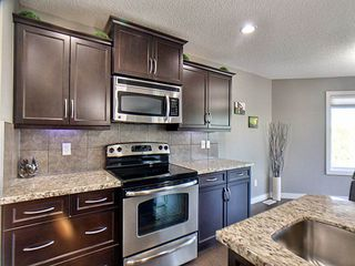 Photo 9: 8318 180A Avenue NW in Edmonton: Zone 28 House for sale : MLS®# E4181269
