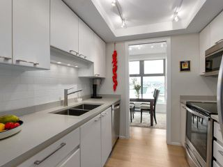 "Photo 8: A601 431 PACIFIC Street in Vancouver: Yaletown Condo for sale in ""Pacific Point"" (Vancouver West)  : MLS®# R2435432"