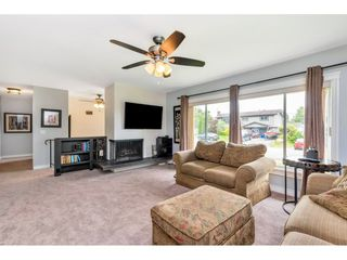 Photo 2: 33503 9 Avenue in Mission: Mission BC House for sale : MLS®# R2478636