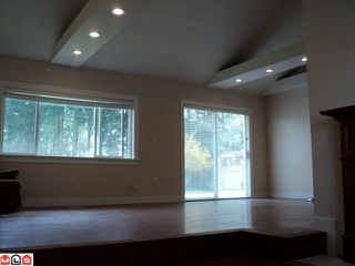 Photo 4: 2444 156TH Street in Surrey: King George Corridor House for sale (South Surrey White Rock)  : MLS®# F1108149