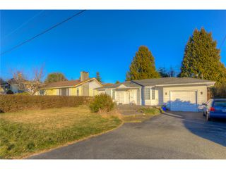 Photo 2: 1560 BREARLEY Street: White Rock House for sale (South Surrey White Rock)  : MLS®# F1402884