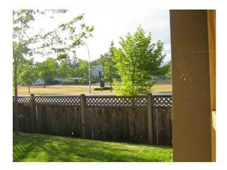 """Photo 6: 20 2488 PITT RIVER Road in Port Coquitlam: Mary Hill Townhouse for sale in """"NEW CASTLE ESTATES"""" : MLS®# V1106167"""