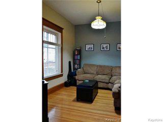 Photo 5: 145 Luxton Avenue in WINNIPEG: West Kildonan / Garden City Residential for sale (North West Winnipeg)  : MLS®# 1510740