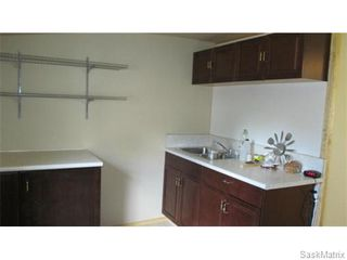 Photo 4: 1703 F Avenue North in Saskatoon: Mayfair Single Family Dwelling for sale (Saskatoon Area 04)  : MLS®# 546391