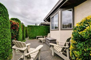 "Photo 3: 2 12925 17 Avenue in Surrey: Crescent Bch Ocean Pk. Townhouse for sale in ""Ocean Park Grove"" (South Surrey White Rock)  : MLS®# R2001766"