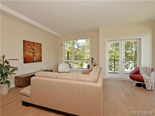 Photo 6: 6 1060 Tillicum Rd in VICTORIA: Es Kinsmen Park Row/Townhouse for sale (Esquimalt)  : MLS®# 714745