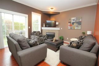 """Photo 2: 14 18707 65 Avenue in Surrey: Cloverdale BC Townhouse for sale in """"LEGENDS"""" (Cloverdale)  : MLS®# R2016279"""