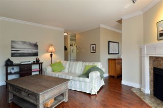 """Photo 4: 162 16275 15 Avenue in Surrey: King George Corridor Townhouse for sale in """"Sunrise Pointe"""" (South Surrey White Rock)  : MLS®# R2077380"""