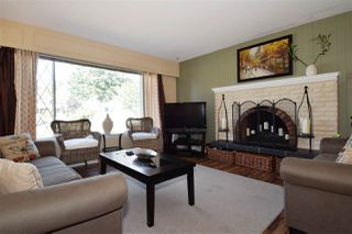 Photo 2: 2057 MCKENZIE Place in Port Coquitlam: Lower Mary Hill House for sale : MLS®# R2105259