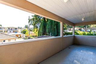 Photo 13: 8142 WEDGEWOOD Street in Burnaby: Burnaby Lake House 1/2 Duplex for sale (Burnaby South)  : MLS®# R2108883