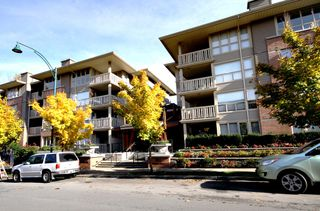 Photo 1: 417 801 KLAHANIE DRIVE: Condo for sale : MLS®# V918772