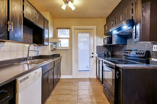 Photo 15: 12143 98 Avenue in Surrey: Cedar Hills 1/2 Duplex for sale (North Surrey)  : MLS®# R2204391
