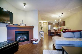 "Photo 10: 417 8915 202 Street in Langley: Walnut Grove Condo for sale in ""Hawthorne"" : MLS®# R2209331"