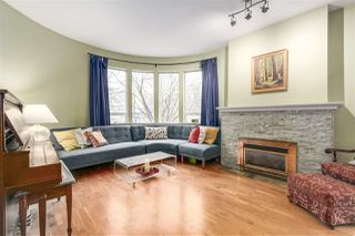 """Photo 2: 1160 W 15TH Avenue in Vancouver: Fairview VW Townhouse for sale in """"MONTCALM MANOR"""" (Vancouver West)  : MLS®# R2222344"""