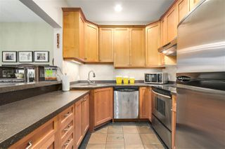 """Photo 7: 1160 W 15TH Avenue in Vancouver: Fairview VW Townhouse for sale in """"MONTCALM MANOR"""" (Vancouver West)  : MLS®# R2222344"""