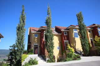 Photo 3: 208 1795 Country Club Dr Bella Sera Townhome Kelowna