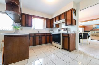 Photo 7: 7550 DORCHESTER Drive in Burnaby: Government Road House for sale (Burnaby North)  : MLS®# R2242148