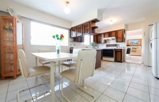 Photo 8: 7550 DORCHESTER Drive in Burnaby: Government Road House for sale (Burnaby North)  : MLS®# R2242148