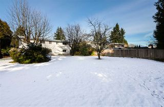 Photo 19: 7550 DORCHESTER Drive in Burnaby: Government Road House for sale (Burnaby North)  : MLS®# R2242148