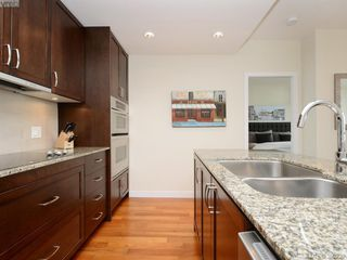 Photo 7: 701 788 Humboldt Street in VICTORIA: Vi Downtown Condo Apartment for sale (Victoria)  : MLS®# 390239
