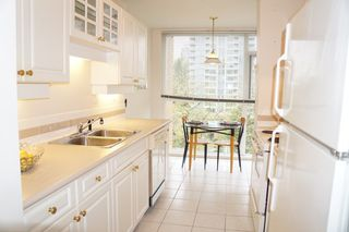"""Photo 7: 401 7108 EDMONDS Street in Burnaby: Edmonds BE Condo for sale in """"The Parkhill"""" (Burnaby East)  : MLS®# R2261719"""