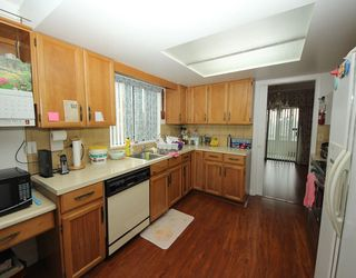 Photo 4: 637 FAIRVIEW Street in Coquitlam: Coquitlam West House for sale : MLS®# R2288737