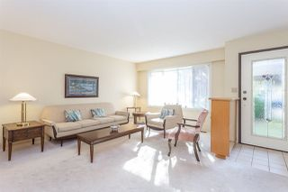 """Photo 3: 15659 ASTER Road in Surrey: King George Corridor House for sale in """"King George Cooridoor"""" (South Surrey White Rock)  : MLS®# R2302599"""