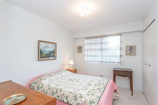 """Photo 12: 15659 ASTER Road in Surrey: King George Corridor House for sale in """"King George Cooridoor"""" (South Surrey White Rock)  : MLS®# R2302599"""