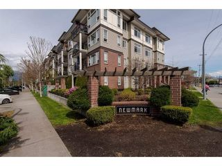 "Photo 1: 409 9422 VICTOR Street in Chilliwack: Chilliwack N Yale-Well Condo for sale in ""NEW MARKET"" : MLS®# R2337237"