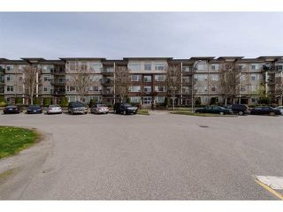 "Photo 2: 409 9422 VICTOR Street in Chilliwack: Chilliwack N Yale-Well Condo for sale in ""NEW MARKET"" : MLS®# R2337237"