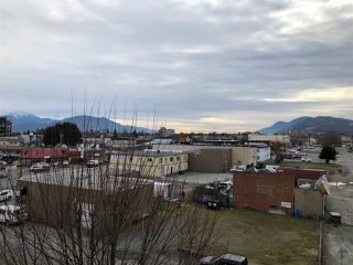 "Photo 6: 409 9422 VICTOR Street in Chilliwack: Chilliwack N Yale-Well Condo for sale in ""NEW MARKET"" : MLS®# R2337237"