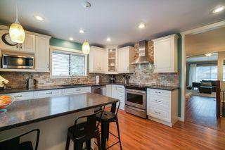 "Photo 8: 12301 209 Street in Maple Ridge: Northwest Maple Ridge House for sale in ""CHILCOTIN PARK"" : MLS®# R2352399"