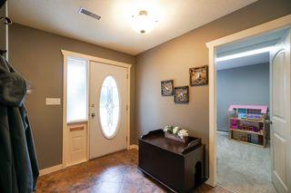 "Photo 2: 12301 209 Street in Maple Ridge: Northwest Maple Ridge House for sale in ""CHILCOTIN PARK"" : MLS®# R2352399"