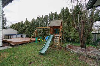 "Photo 16: 12301 209 Street in Maple Ridge: Northwest Maple Ridge House for sale in ""CHILCOTIN PARK"" : MLS®# R2352399"