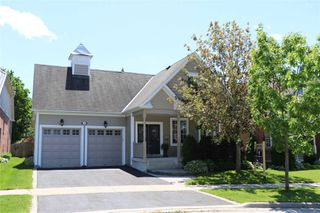 Photo 1: 33 Leithridge Crescent in Whitby: Brooklin House (Bungalow) for sale : MLS®# E4465551
