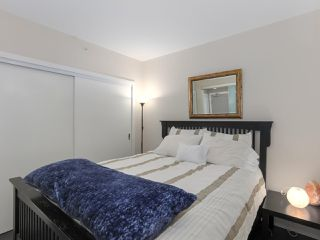 """Photo 7: 1908 668 COLUMBIA Street in New Westminster: Quay Condo for sale in """"Trapp & Holbrook"""" : MLS®# R2378796"""